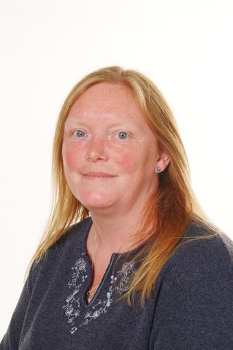Mrs Beth Husselbee-Orwin Midday Supervisor