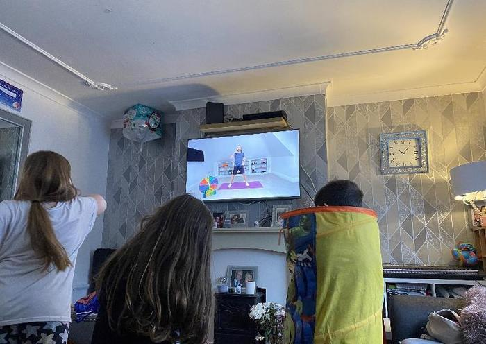We love this family effort from the Turners this morning, starting the day with Joe Wicks!