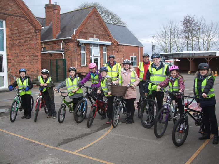 Bikeability pupils with trainers March 2018