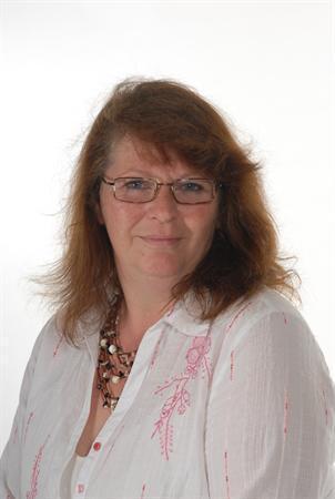 Yvonne Steen Lunchtime Supervisor