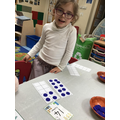 We are practising to make amounts on the 10 frames