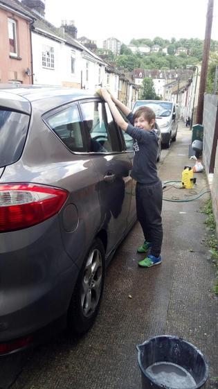 Sean car washing (Y5)