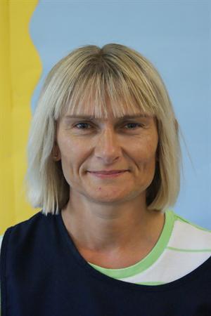 Mrs L Davis