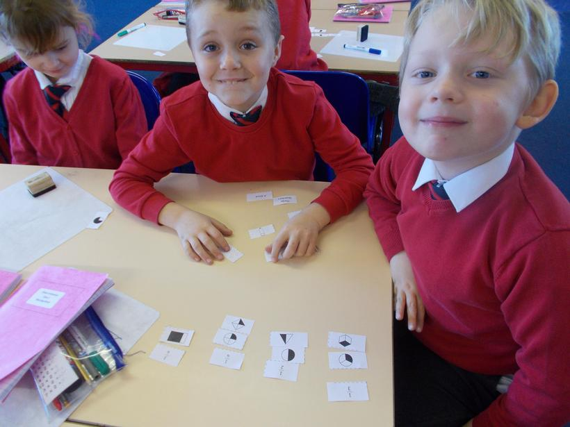 The children identified fractions in their groups.