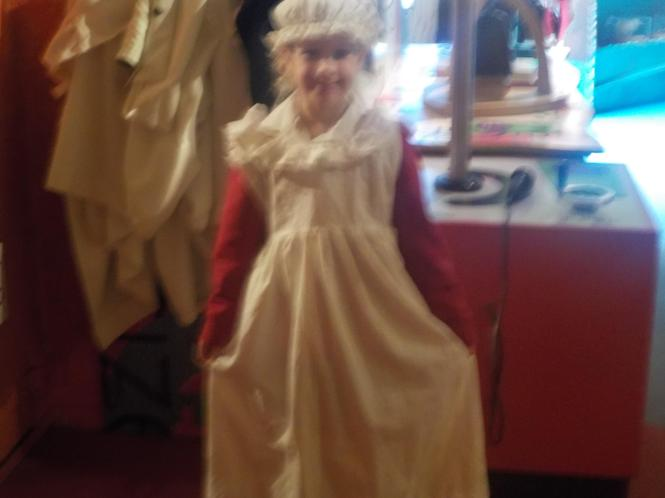Roisin as a Victorian girl.