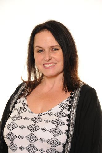 Miss R Bennett - Teaching Assistant & Midday Supervisor