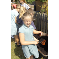 Year 4 fill pots for the pumpkins.JPG