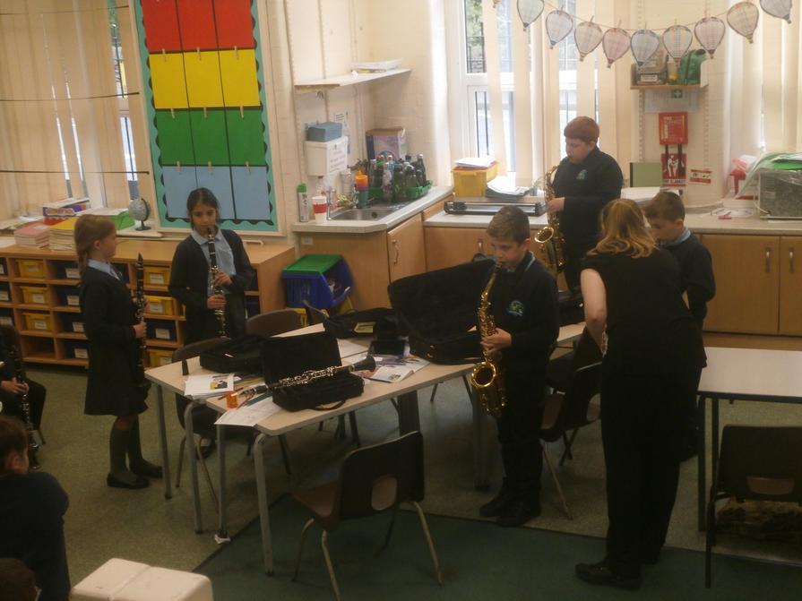 Clarinets at the ready!
