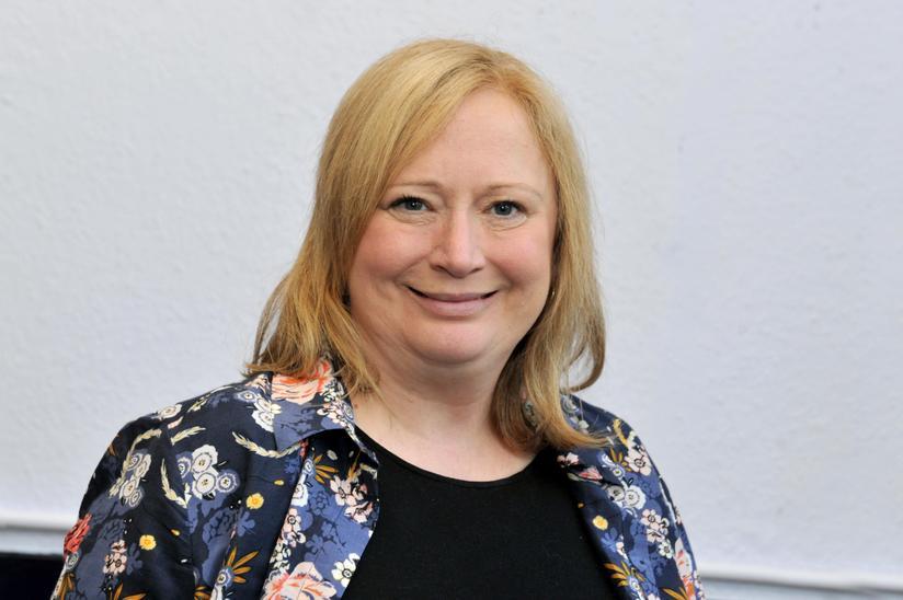 Mrs Annette Silvester