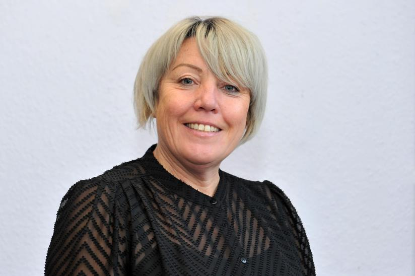 Mrs Tracey Bromley