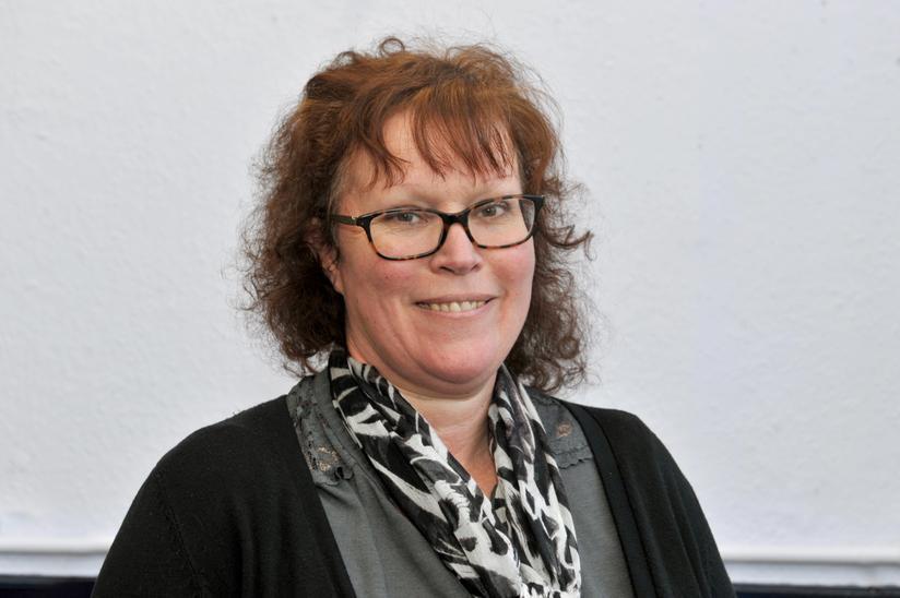 Mrs Fiona Hunter
