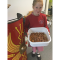 The children loved the honey cakes.