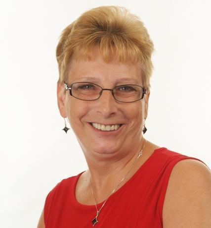 Lynne Pell - Associate Teacher