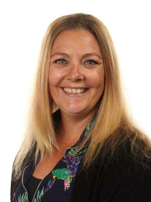 Natalie Hilless - Associate Teacher