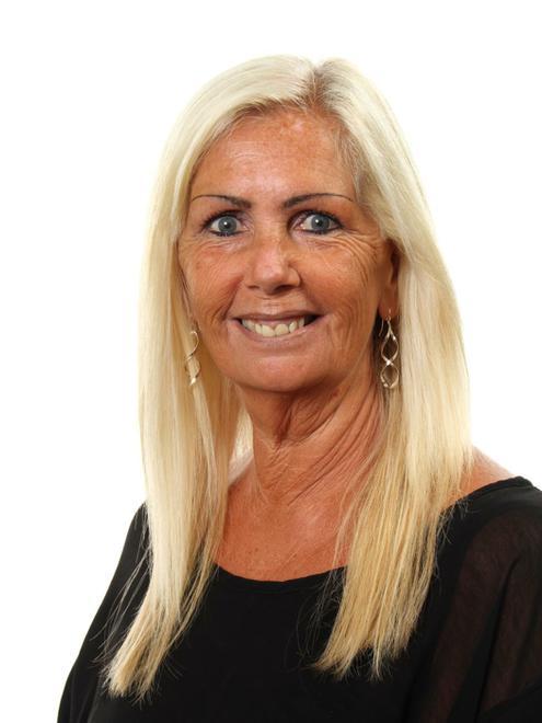 Sandra Affection - Associate Teacher