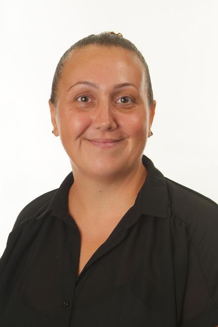 Nina Aslan - Associate Teacher