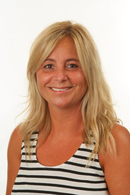 Mirander Marshall - Associate Teacher