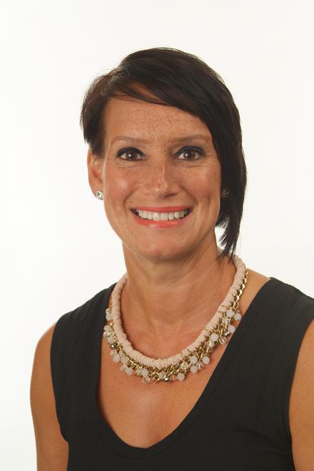 Julie Bratton - Associate Teacher
