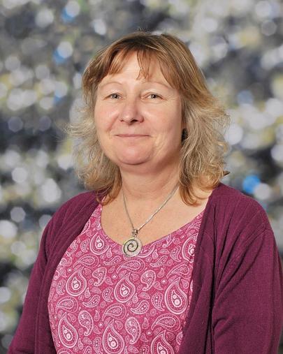 Mrs R Pinder - Frogs Class Teacher (M,T,W)