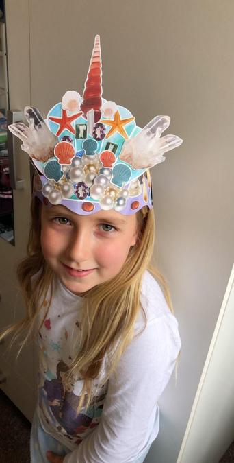 What an amazing mermaid crown!