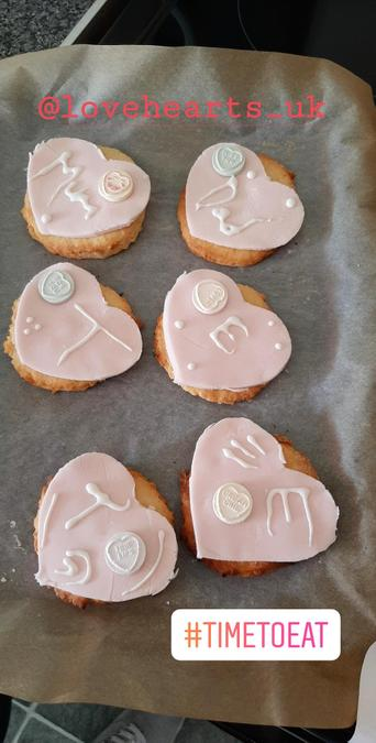 Amazing icing and love hearts. Delicious!