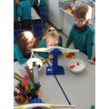 Finding the weight using cubes