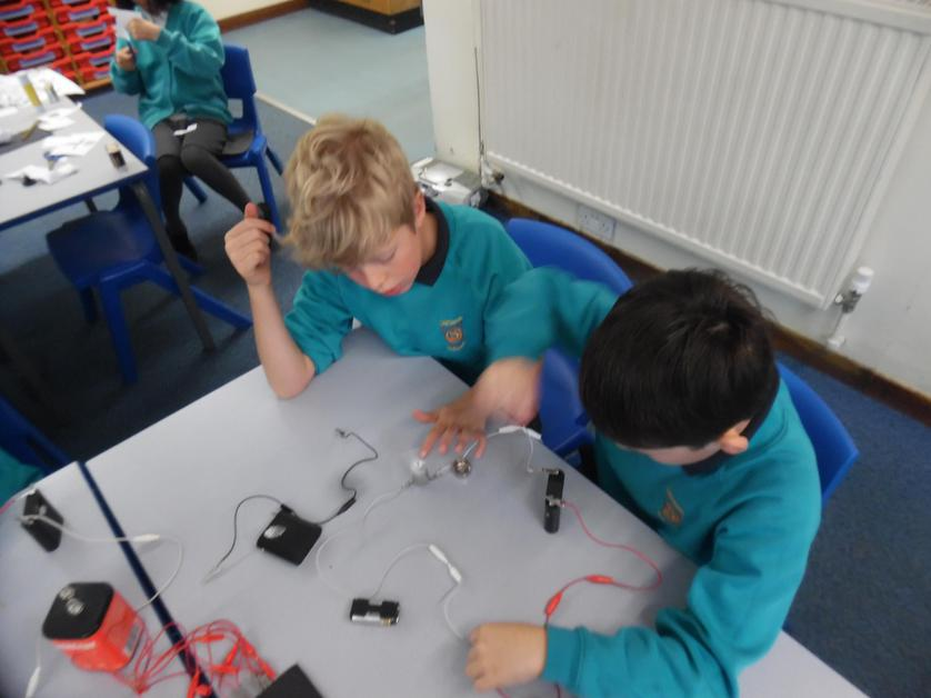 Investigating how to make circuits.