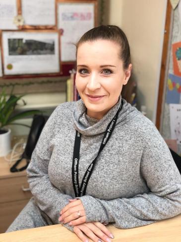 Miss Roxanne Wood - 1:1 Teaching Assistant