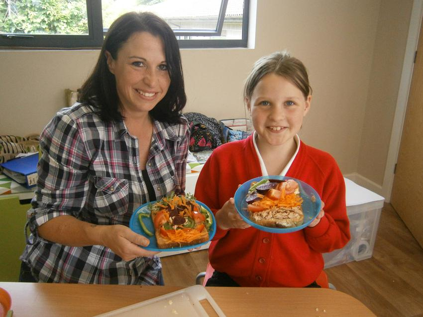 Healthy packed lunch ideas with Family Learning