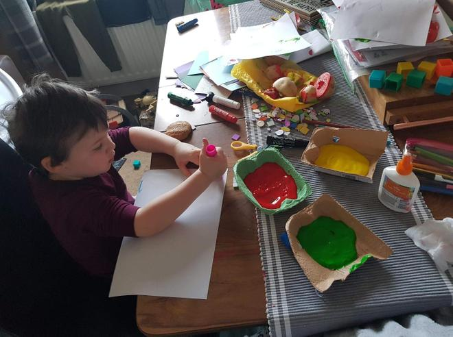 Monday morning art and craft...looks great fun.
