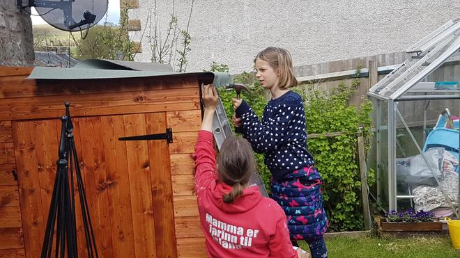 Shed building ...team work.