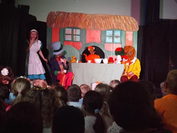 Alice in Wonderland Show