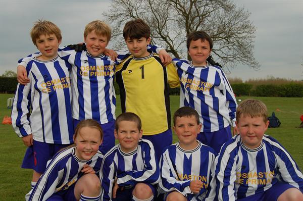 Yr4 Football Team