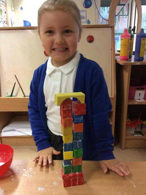 Isabella kept on trying when her building fell down!