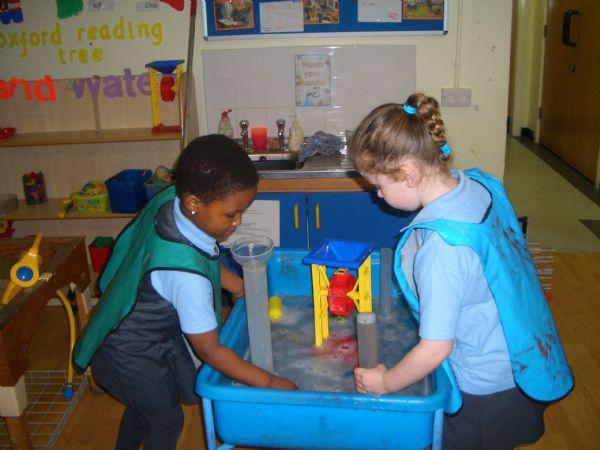 Reception children learn through investigation.