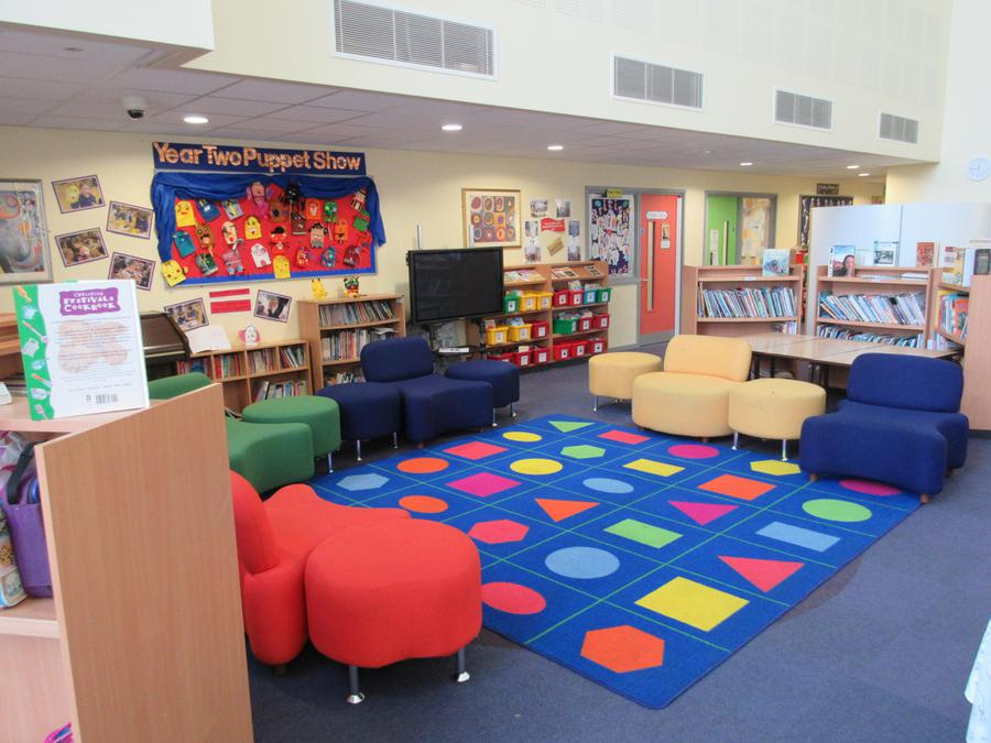 Library and relaxing space!