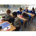 5L have been making their Christmas cards.