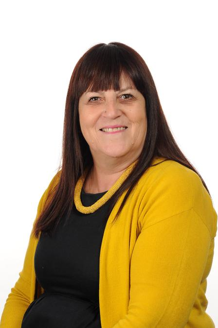 Mrs L Mircu - Learning Support Assistant