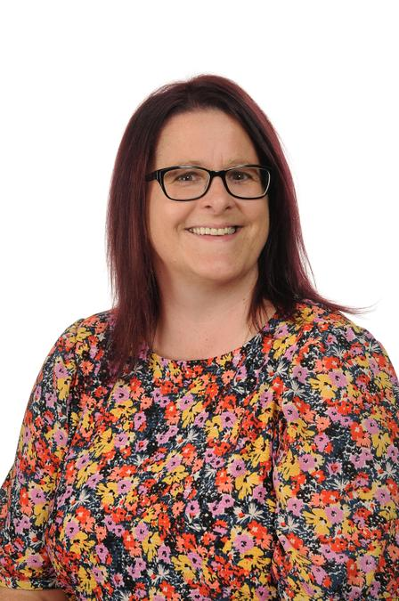 Mrs F Saunders - Learning Support Assistant / Lunchtime Supervisory Assistant
