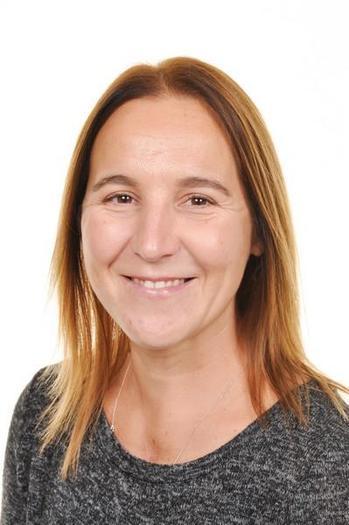 Mrs E Zych Athrawes / Teacher Bl/Yr 6