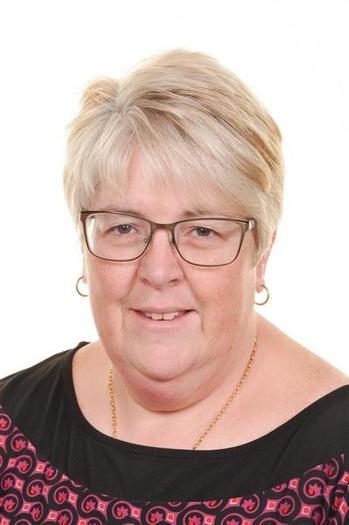 Mrs E Gower : Swyddog Gweinyddol / Admin Officer
