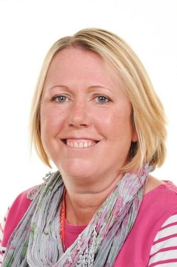 Mrs S Morris Cynorthwywraig 1:1 / 1:1 assistant