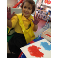 Colour mixing handprints