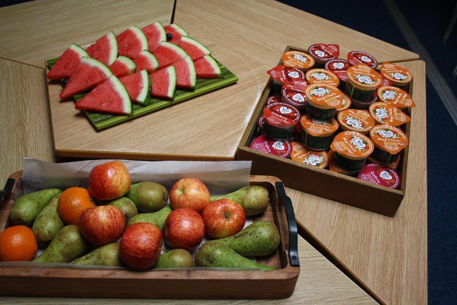 Fresh Fruit or Yoghurt