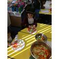 We cut vegetables to make Tudor soup