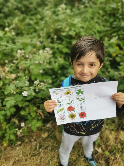 Rafi found some flowers on his flower hunt
