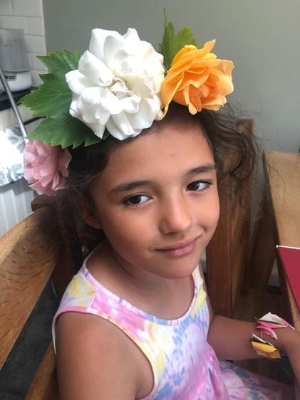 Dahlia made a beautiful headband and bracelet ⭐