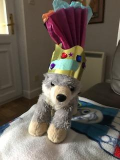 Jacob,we love this home made crown for your toy ☺�