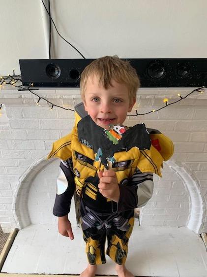 Oliver made a brilliant bat puppet ⭐️
