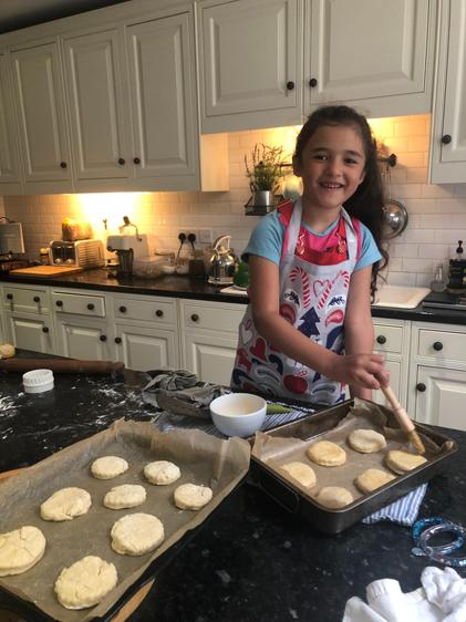Dahlia baking for VE day ⭐️